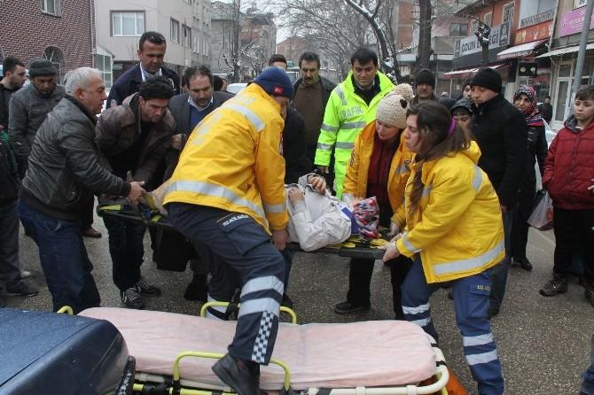 Otomobilin Çarptığı Hamile Kadın Yaralandı