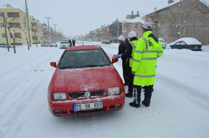 Karaman'da Sürücülere Karlı Havada Sürüş Tekniklerini Anlatan Broşür