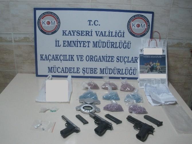 Polisten Zehir Tacirlerine Darbe