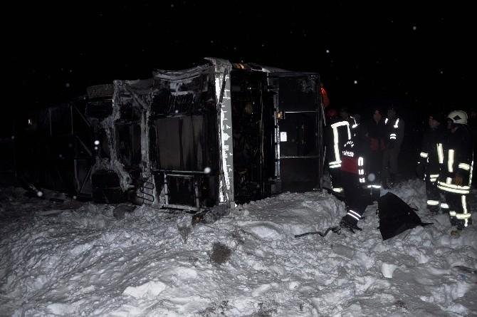 Otobüs Şaramole Devrıldı: 1 Ölü, 38 Yaralı