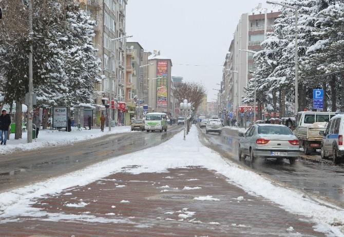 Ereğli'de Karla Mücadele Sürüyor