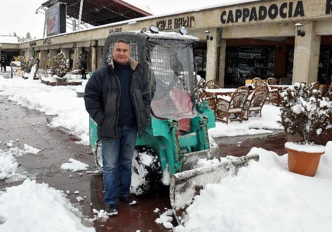 (Özel Haber) İş Adamından Karla Mücadele Çalışmasına İlginç Destek
