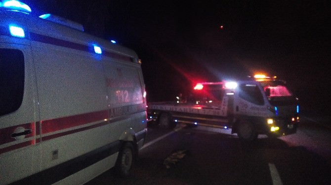 Otomobil Şarampole Yuvarlandı: 2 Ölü, 3 Yaralı