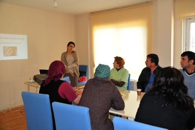 Eskişehir'de Yaşlılara Psikolojik Yaklaşım Eğitimi