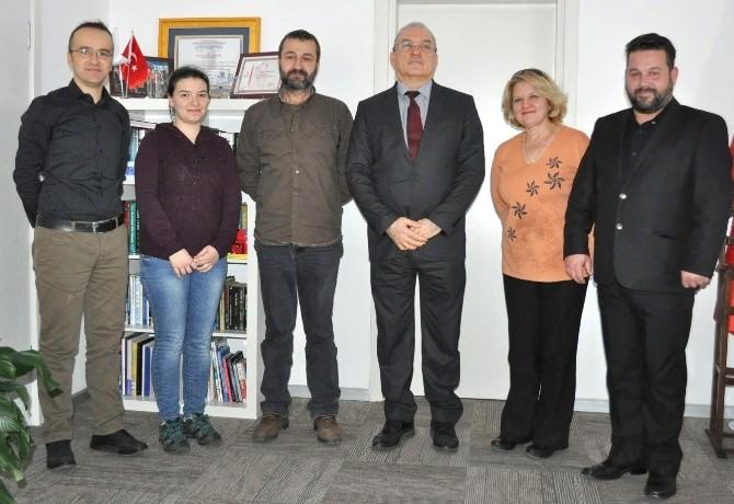 İzmir Üniversitesi'nden Anlamlı Destek