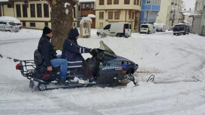 Şehir Merkezinde Kar Motoruyla Safari