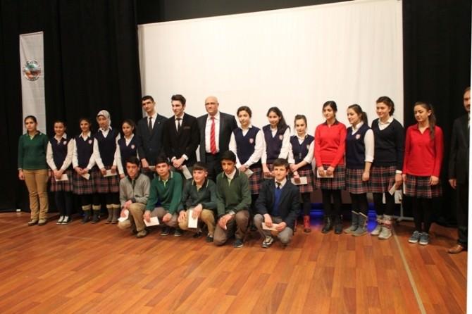 Kaymakamdan Takdir Alan 294 Öğrenciye Para Ödülü