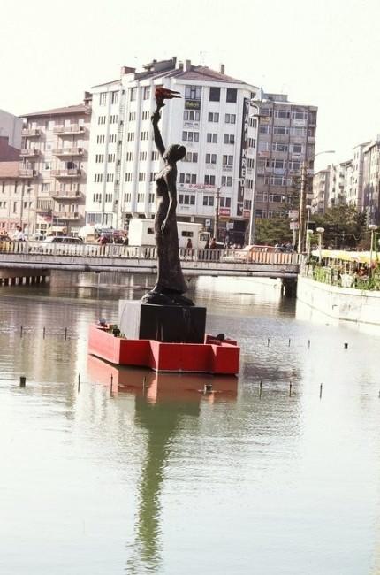 Eskişehir'in 'Karakız' Heykeli Restore Ediliyor