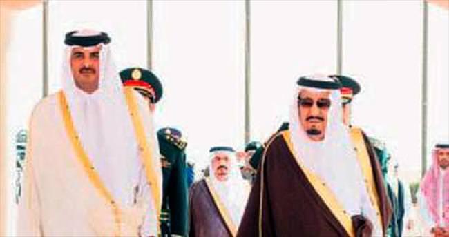 Katar, Mısır'daki elçisini geri çağırdı