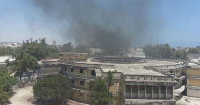Somali'de otele saldırı