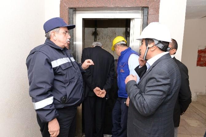 Kumluca'da Kırmızı Etiketli Asansörler Mühürlenecek