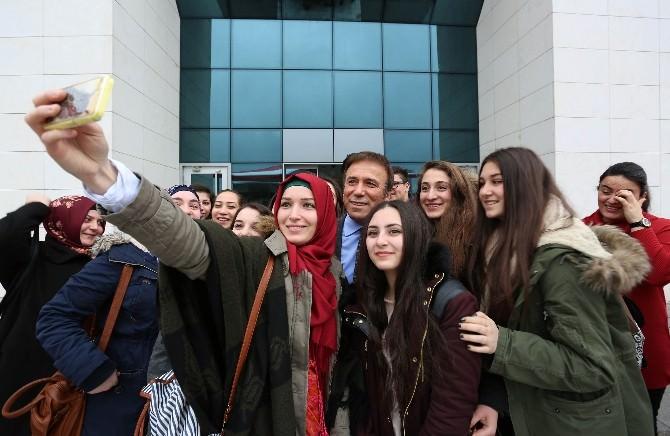 Avusturya'da Yaşayan Türk Gençlerden Genç'e Ziyaret