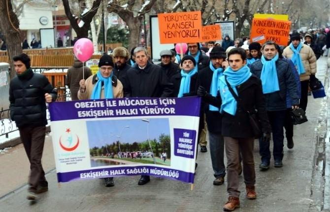 """Eskişehir'de """"Yürüyoruz Kanseri Yeniyoruz"""" Etkinliği"""
