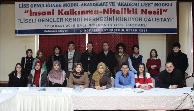 Liseli Gençler Kendi Merkezini Kuruyor