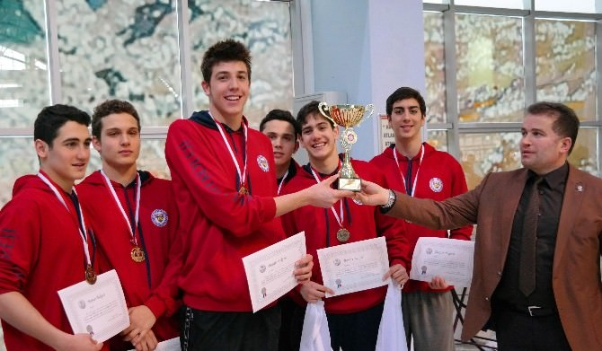 Fatihli Yüzücüler Her Branşta Altın Madalya Kazandı