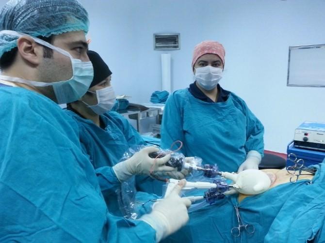 Uaşak'ta İz Bırakmayan Safra Kesesi Ameliyatı Yapıldı