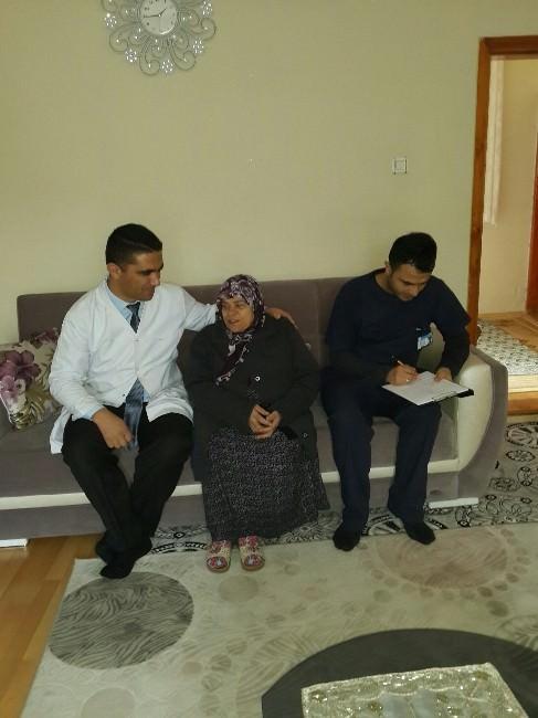 Başhekim Ergioğuz, Hastaları Evlerinde Ziyaret Etti