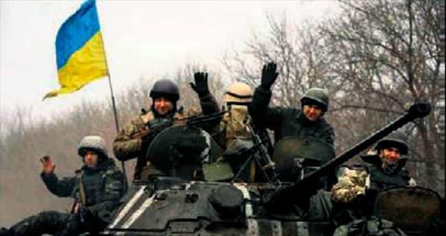 Rus tankları Ukrayna'da ilerliyor