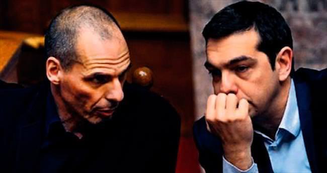 Yunanistan'a dört ay süre