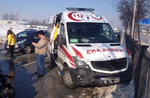 Bursa-Mudanya yolunda zincirleme kaza! 100 araç...