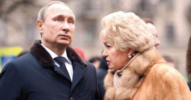 ''Putin sık sık karısını dövüyor''