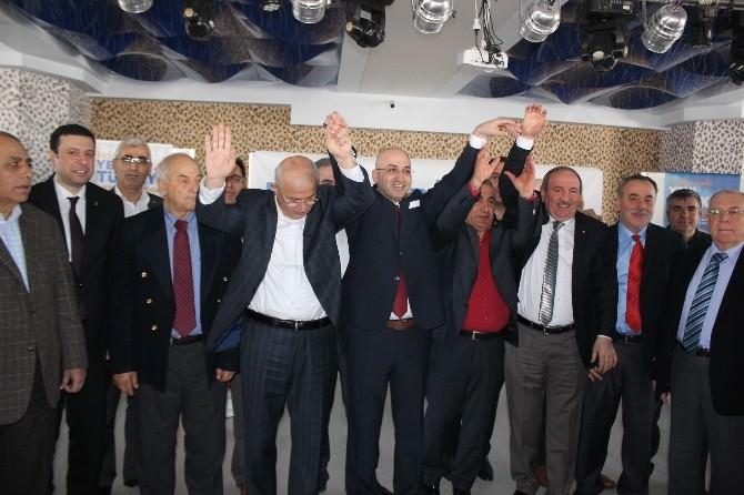 Güldoğan, 'İzmir Sana Aşığım' Diyerek Aday Adaylığını Açıkladı