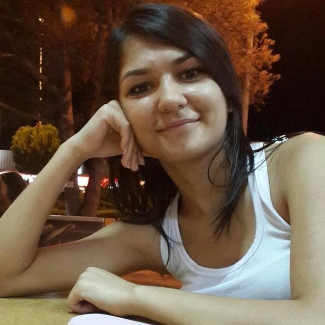 Didimli Önal Ailesi Kayıp Kızları Gözde'yi Arıyor