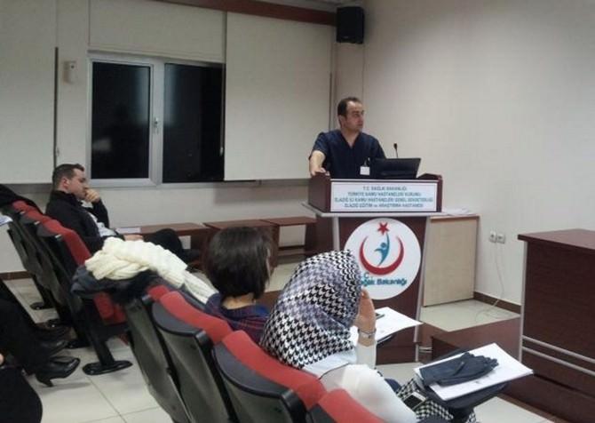 Elazığ'da Doktorlara Sentetik Uyuşturucu Madde Eğitimi Verildi