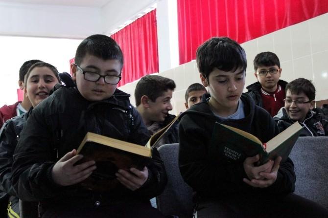 Kur'an, Siyer Ve Karakter Eğitimlerini Tamamlayan Çocuklar Ödüllerini Aldı