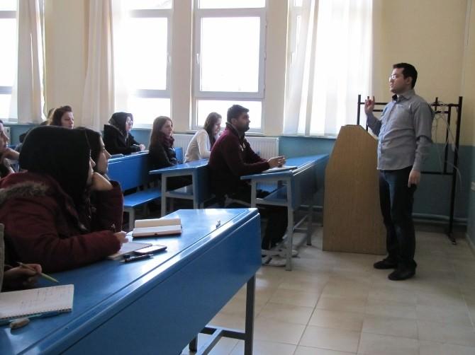Hisarcık'ta İngilizce Kursu Açıldı