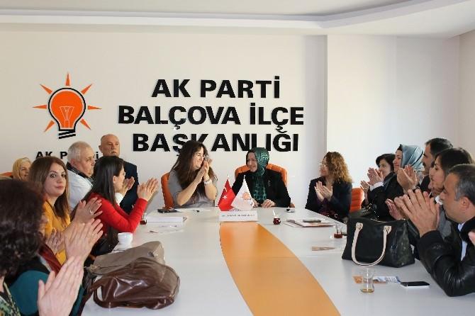 AK Partili Seda Kurtaran'a Yoğun İlgi