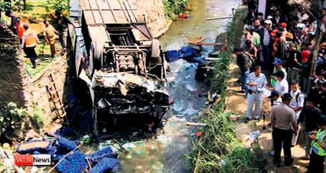 Yolcu otobüsü faciası: 16 ölü