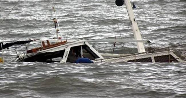 150 yolcu taşıyan feribot battı!