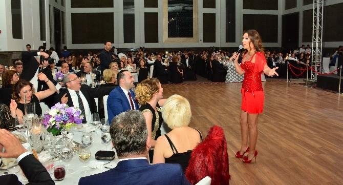 Agiad, 23. Yılını Demet Akalın'la Kutladı