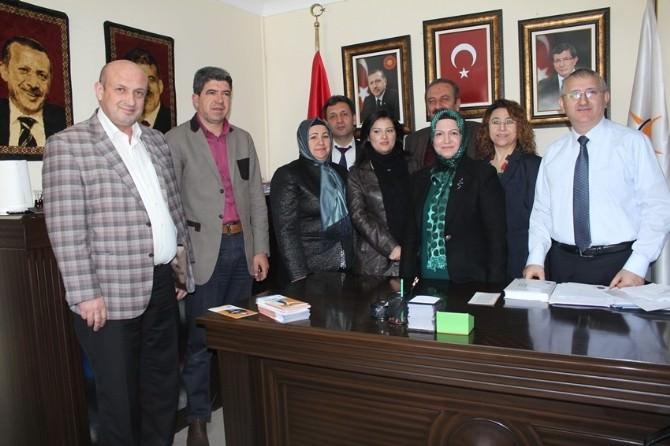 AK Partili Kurtaran: İzmir'e Hizmet İçin Yola Çıktım'