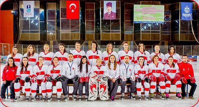 Buz Hokeyi Türkiye Kadın Milli Takımı, Hong Kong'da Düzenlenen Şampiyonada 1. Oldu