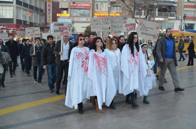 CHP'li Gençler Kadın Cinayetlerine Dikkat Çekti
