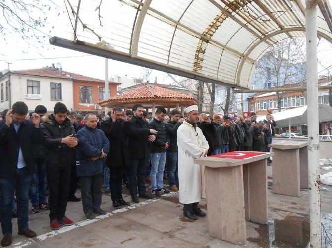 Fırat Çakıroğlu İçin Dursunbey'de Gıyabi Cenaze Namazı Kılındı