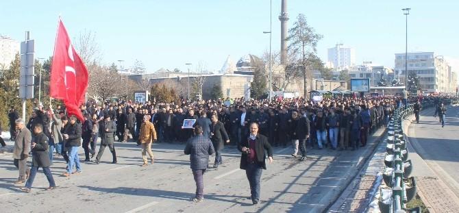 Kayseri'de Binlerce Ülkücü Fırat Çakıroğlu İçin Yürüdü