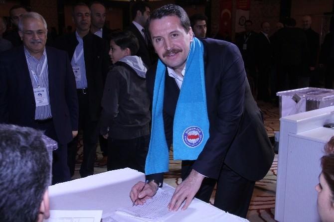 Eğitim-bir Sen'in Seçiminde Başkan Adayları Oylarını Kullandı