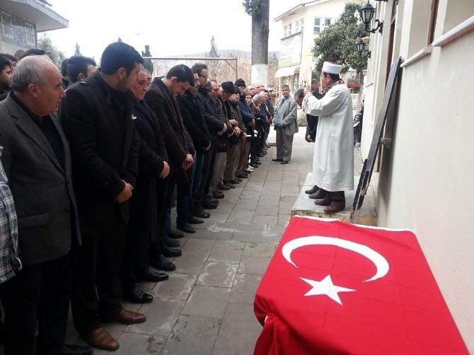 Kuşadası'nda Fırat Yılmaz Çakıroğlu İçin Gıyabi Cenaze Namazı Kılındı