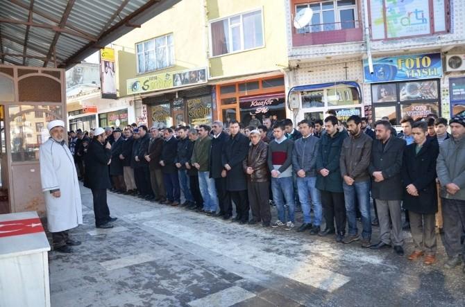 Göksun'da Ülkücüler Fırat Yılmaz Çakıroğlu İçin Gıyabi Cenaze Namazı Kıldı