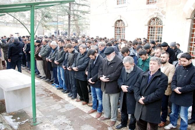 Kütahya'da Ülkücüler, Fırat Yılmaz Çakıroğlu İçin Gıyabi Cenaze Namazı Kıldı