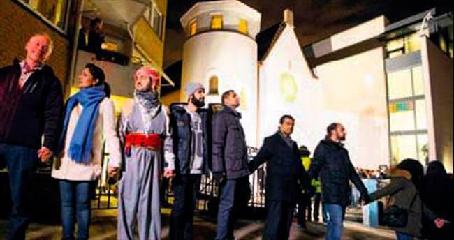 Müslümanlardan sinagogda barış nöbeti