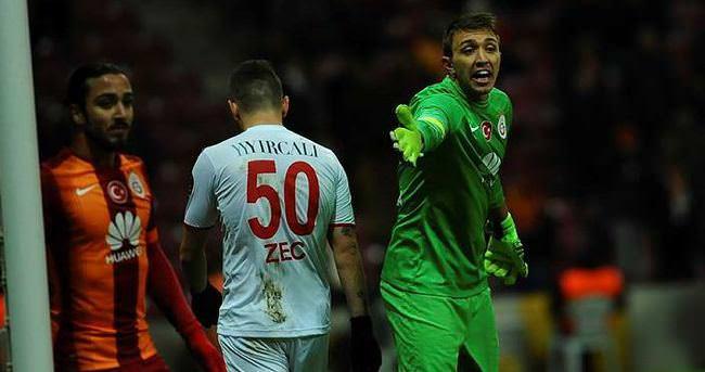 Muslera: Fenerbahçe'yi mi şampiyon yapacaksınız?