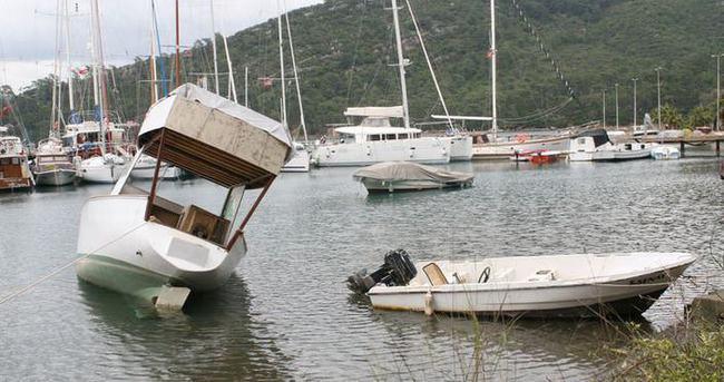 Marmaris'te deniz suyu tam 10 metre çekildi