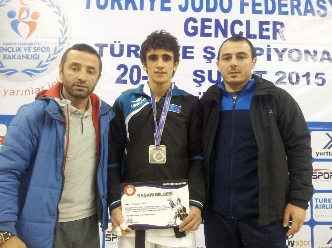 Rizeli Genç Judocular Ordu'dan Madalya İle Döndü