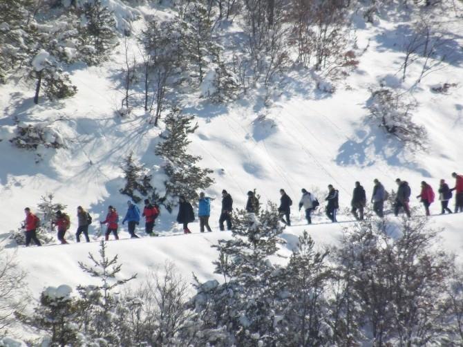 Vali Barut'un Katılımıyla Çamlıbel'de Doğa Yürüyüşü Yapıldı