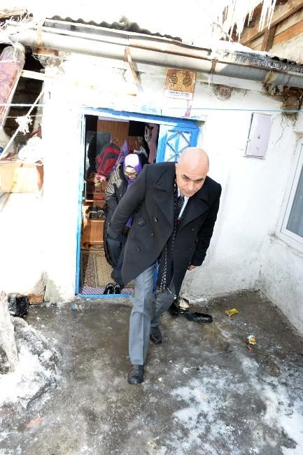 Ali Korkut, Kapı Kapı Dolaşıyor
