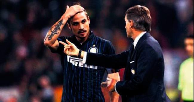 Mancini'yi soyunma odasında dövmüş!